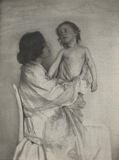 Gertrude Käsebier, Adoration, 1897
