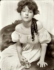 Gertrude Käsebier, Miss N (Portrait of Evelyn Nesbit), 1903