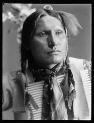 samuel-american-horse-members-of-buffalo-bills-wild-west-show-taken-by-photographer-gertrude-kasebier-1852-1934-around-1900