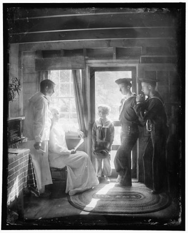 Gertrude Käsebier, The Clarence White Family in Maine, 1913