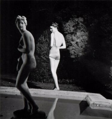 Louise Dahl- Wolfe, Night Bathing, 1939