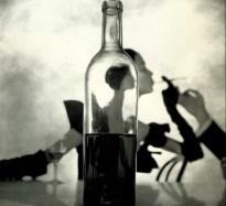 irving-penn-girl-behind-the-bottle-1949