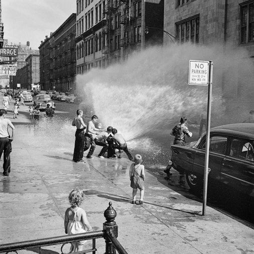 Vivian Maier, June 1954. New York