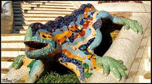 Salamandra en el Parque Güell, Gaudí