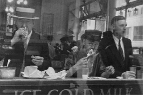 Mostrador de leche, Walker Evans, 1930
