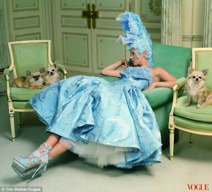 Modern-day Marie Antoinette, Kate Moss para Vogue