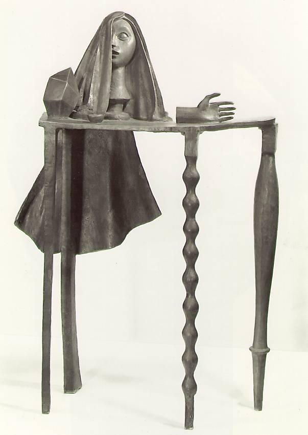 alberto-giacometti-surrealist-table