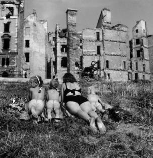 Sunbathers, Vienna, 1946 - 1948