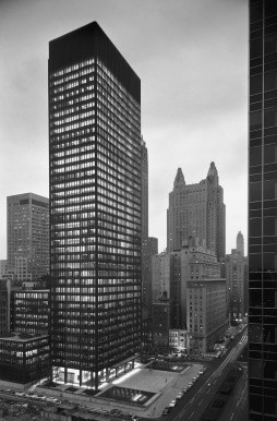 Seagram Building, Ludwig Mies van der Rohe, 1958
