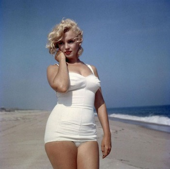 Marilyn-Monroe-white-swimsuit-e1343918420242